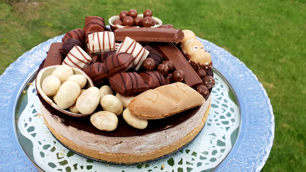 chocolate_candy_cakechocolate_candy_cake