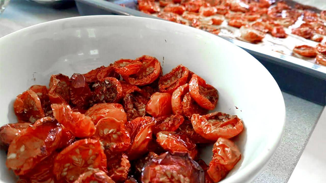 העגבניות אחרי שהייה בתנור